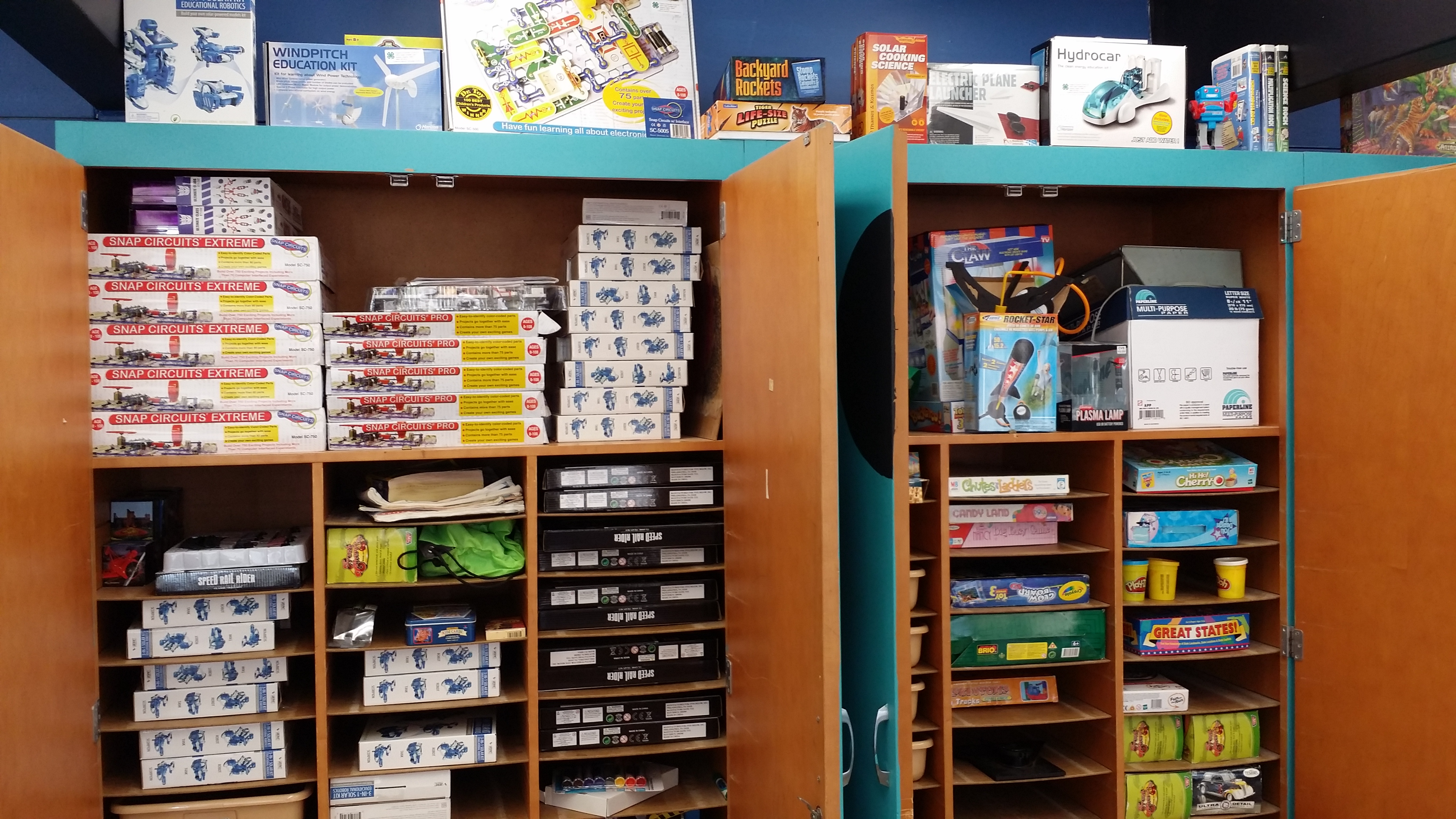 Makerspaces At Gandy Elementary Make Museum Maker Education Library Snap Circuit Extreme