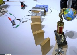 Night at the Jewseum – Rube Goldberg Inspired Chain-Reaction Building on Vimeo